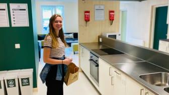 Svala Torstveit (20) er fersk student i Bø.