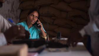 Somi Devi är byrådsrepresentant i Rajasthan, där hon bor. Hon var den första kvinnan från en marginaliserad grupp att ställa upp i val till det lokala byrådet.