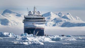 HANSEATIC_nature_in_der_Antarktis_-_Fotocredit_Hapag-Lloyd_Cruises_Denger__6_