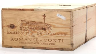 12 bottles of La Tache Grand Cru, Domaine de la Romanée Conti 1978. The estimate from Bruun Rasmussen Auctioneers was DKK 250,000-300,000 (€ 33,500-40,200).