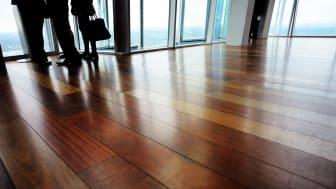 Nu uppdaterar Golvbranschens Tekniska Kommitté sitt TK-råd 130 om knarr i trägolv.