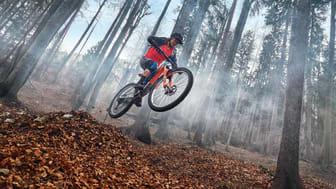 Synkronisera pass utförda både inomhus och utomhus, grotta in dig i prestationsdata och ännu mer för att få varje cykeltur att räknas.