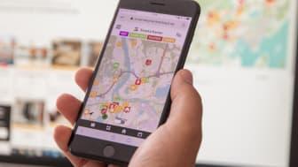 Smarta kartan i mobilen och på skärmen