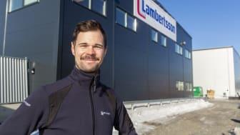 """""""Vi siktar på att ta stora marknadsandelar inom bygg- och industrilösningar i Västerbotten"""", säger Joel Levisson. FOTO: Jan Lindmark"""