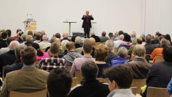 Privatanleger hören Hans A. beim Börsentag Frankfurt