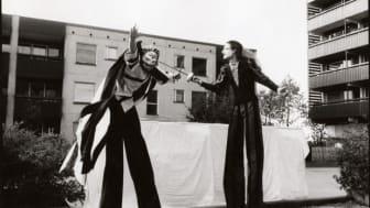 Föreställningsbild ur Gycklarnas återkomst av Bizarr-teatret.