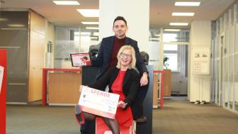 Gemeinsam mit Katrin Wanke-Heß betreut Christian Wiegand die Spendenplattform der Sparkasse Mittelthüringen.