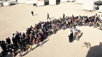 Foto av Alex Hinchcliffe, från en Clowner utan Gränser-föreställning i ett flyktingläger i Jordanien