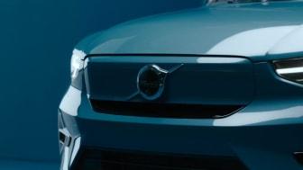 Volvo C40 Recharge Studio Footage