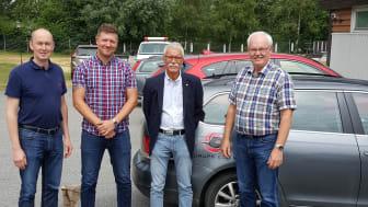 På bilden från vänster: Jörgen Grahm, Avdelningschef i Tomelilla, ONE Nordic, Stefan Möller, VD Skurups Elverk, Ulf Östrand, Styrelseordförande Skurups Elverk och Anders Göransson, projektsamordnare, ONE Nordic.