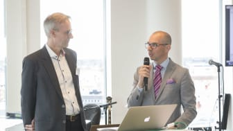 Niklas Nordström, mayor of Luleå celebrates Bengt Grahn, CEO of Compodium