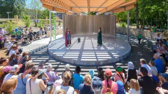 Invigning drog många besökare till aktivitetsparken i Mölnlycke