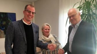Emrahus VD Robin Berkhuizen, Landskronahems VD Helena Fremle, och Sven Landelius som är styrelseledamot i Emrahus.