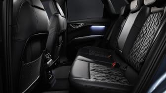 Audi Q4 e-tron plads på bagsædet