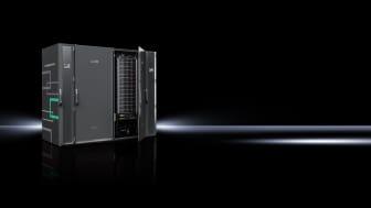Detta Secure Edge Data Center (SEDC) erbjuds av Rittal i samarbete med sina partner ABB och HPE och är en nyckelfärdig datacenterlösning som utvecklats speciellt för realtids databehandling i tuffa industrimiljöer.