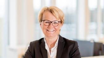 Eldre over 66 sliter stadig oftere med å betale regningene, sier Anette Willumsen, administrerende direktør i Lindorff Norge.