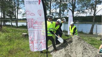 Första spadtaget för Riksbyggens 2:a etapp i Korseberg, Vänersborg