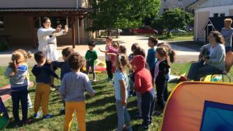 Musik och rörelse i parken