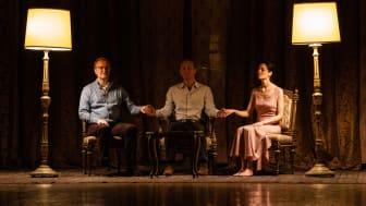 Ulrich Thomsen i selskab med Jude Law og Yuliya Snigir i The New Pope, som får premiere på C More den 26. januar.