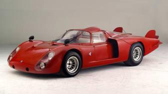 Legende und Technik zum Greifen nahe: Alfa Romeo Tipo 33.2, Baujahr 1968 im Wert von 1 Million Euro Teil des Messestandes der Mannheimer Versicherung AG