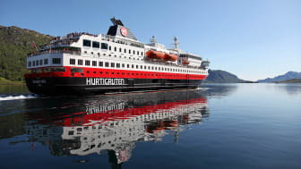 A combined project between Kongsberg Maritime and Myklebust Verft will convert three Hurtigruten Norwegian Coastal Express vessels to hybrid operation as part of plans to cut coastal carbon emissions by at least 25 percent