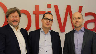 Vasemmalta: Carsten Boje Møller (Visma Custom Solutions divisioonajohtaja), Kristofer Turland (OptiWayn toimitusjohtaja), Richard Börjesson (Visma Consulting AB:n toimitusjohtaja)