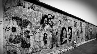 Ein Stück Berliner Mauer aus Sicht West-Berlins. (Foto: David Lally)