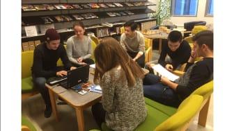 Färre bibliotek och minskad utlåning