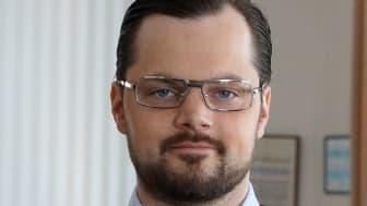 Adam Marttinen tjänstgör som ersättare i riksdagen