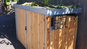 Birds and bees and bins: Green Roof stores at Welwyn North and Welham Green hide the stations' wheelie bins while attracting pollinating insects and birds