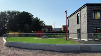 Glasräcke på nybyggd förskola
