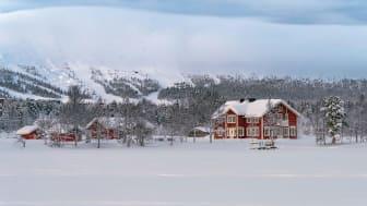 Boutique hotelli Aurora Estate Ylläsjärven rannalla.