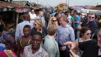 Norske eksportører besøker tørrfiskmarked i Lagos
