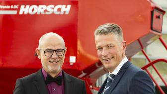 Traugott Horsch tillsammans med Swedish Agro Machinerys vd Björn Pettersson.
