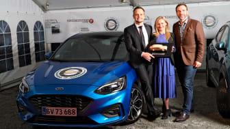 Ford Focus er Årets Bil i Danmark 2019. Fra venstre: Janne Kämäräinen, MD Ford Danmark, Lene Dahlquist, pressechef Ford Danmark, Karsten Lemche, formand i MKD.