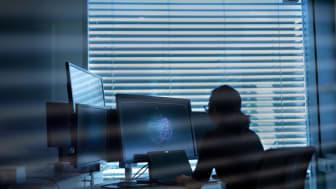 Handelskonflikt, stormaktrivalisering og et mer sammensatt internasjonalt trusselbilde skaper uro i teknologiindustrien, fremgår det av Telenors nye sikkerhetsrapport. Foto: Martin Fjellanger