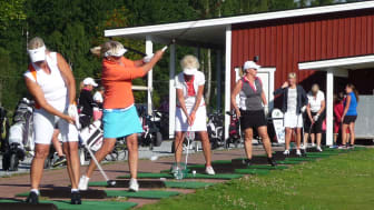 Golftävling för kvinnor för kvinnors hälsa.