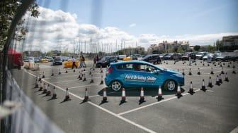 BLI EN TRYGGERE SJÅFØR: Rallycross-esset Andreas Bakkerud anbefaler alle unge sjåfører til å ta kurset. De som gjennomfører vil også få tilbud om billigere forsikring og et spesialtilbud på ny bil.