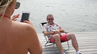 Nu kan besökarna vid Kvickbadet få mycket snabbare surf på Internet. Det är en bra service menar Stefan Gustafsson, IT-tekniker vid Höganäs kommun.