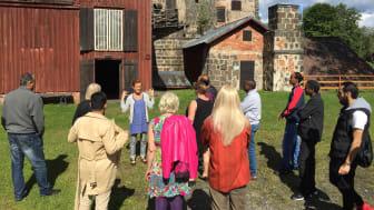 """Förra årets mottagare av Årets industriminne """"Långbans gruv- och kulturby"""" fick priset för sitt nyskapande sätt att använda en industriell kulturmiljö i projektet Från flyktingmottagande till samhällsdeltagande. Foto: Värmlands museum"""