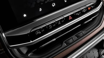 8.  New Jeep� Compass interiors