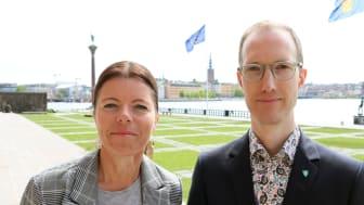 Socialborgarrådet Jan Jönsson (L) och skolborgarrådet Isabel Smedberg-Palmqvist (L) om insatserna mot hedersrelaterat förtryck. Foto: Liberalerna Stockholm