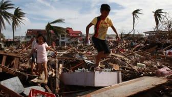 Ensamma barn i Filippinerna hotas av våld och övergrepp