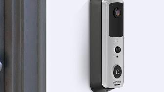 Med trådlösa dörrklockan kan du se och prata med personen som ringer på dörren via mobilen!