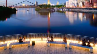 Düsseldorf: view across the Rhine to the Rhine Tower and Neuer Zollhof building © DZT e.V. F: Francesco Carovillano