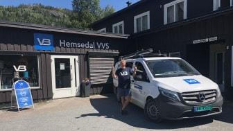 Håkon Albjerk i VB Hemsedal VVS gir tommel opp for ny kontrakt