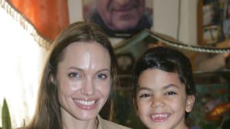 Angelina Jolie och Brad Pitt besökte SOS-Barnbyar  i Jordanien