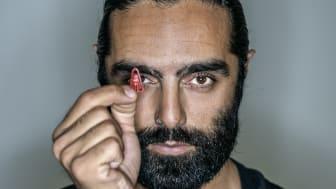 Navid Modiri, Diktatorn bild 2