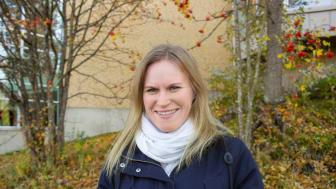 Sara Engvall visar att lärarens lärprocess är viktig när man utformar lärarfortbildning som ska förändra undervisningen. Foto: Ingrid Söderbergh