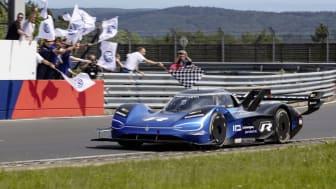 IDR sætter ny omgangsrekord for elbiler på Nürburgrings Nordschleife